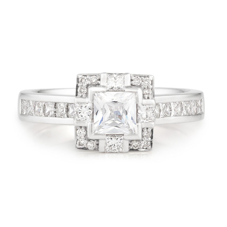 Competition DM Jewellers Maroochydore-18ct White Gold or Platinum Engagement Ring-1789