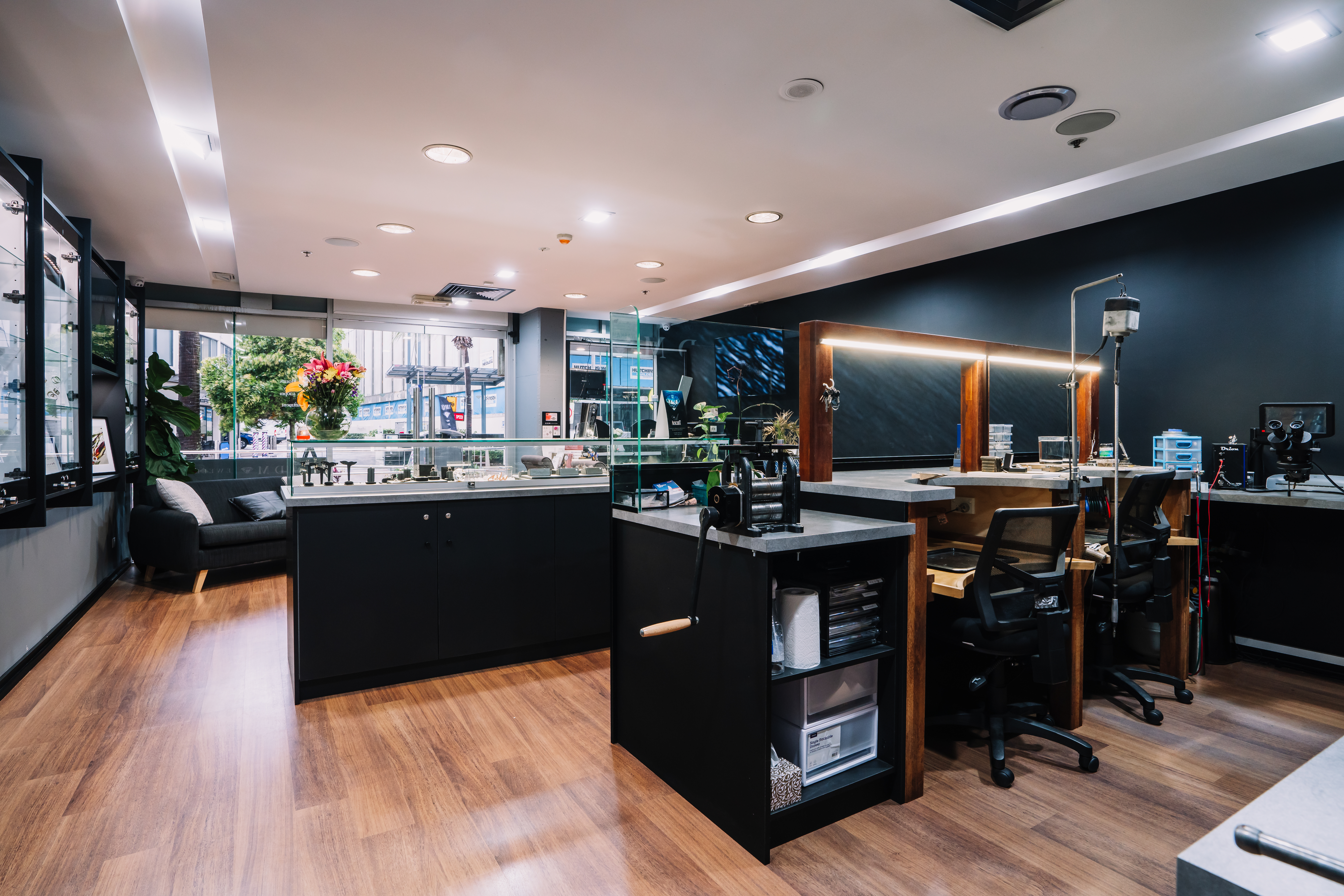 Book a consultation with DM Jewellers Maroochydore - Inside DM Jewellers